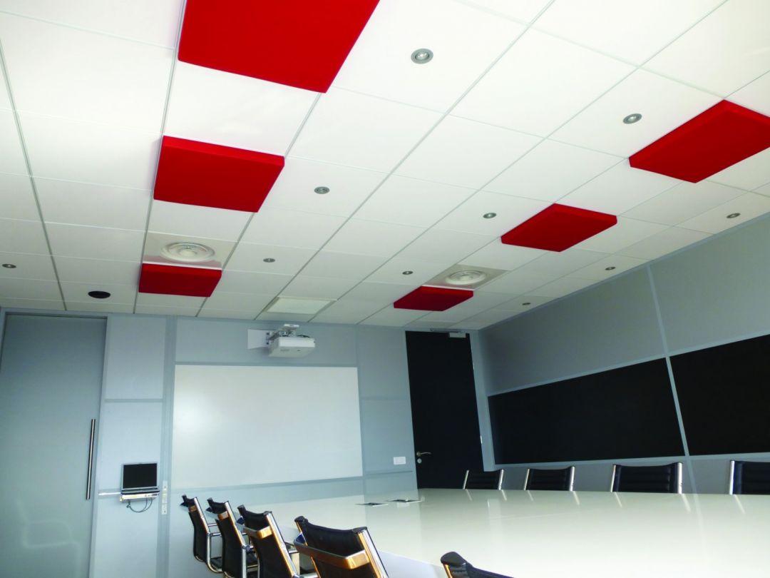 Dalles acoustiques en plafond